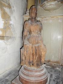 Statue de la vierge enceinte