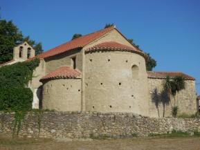 L'arrière de la chapelle de Tanya a été récemment restauré par l'association le Patrimoine de Laroque